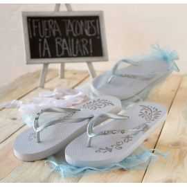 Chancleta flip flop blancas- plata. Talla M