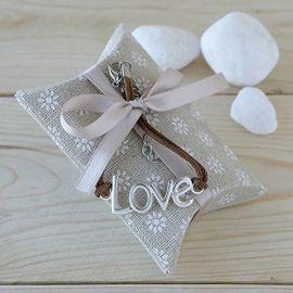 Estuche con pulsera letras LOVE y 4 caramelos