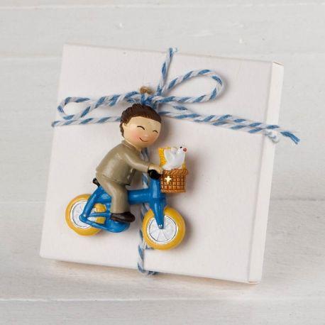 Imán niña Comunión en bici con 3 peladillas