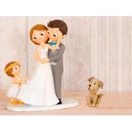 "Figura novios tarta con niña llevando la cola de novia y mascota ""Perro"""