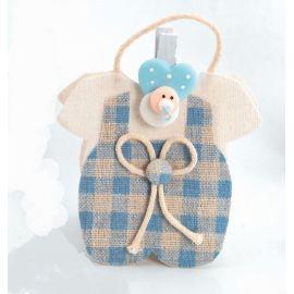 """Bosita forma """"Trajecito"""" con pinza bebé azul y caramelos"""