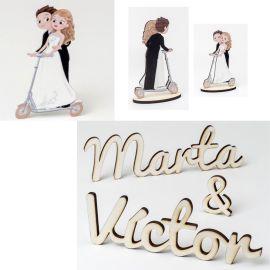 Especial Bodas - Divertida figura tarta *Patinete* en madera, y original decoración madera con los nombres de los novios